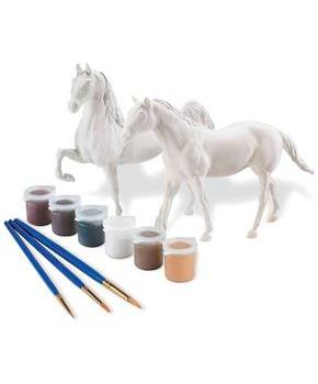Breyer Paint Your Own Horse Activity Kit: Quarter Horse & Saddlebred